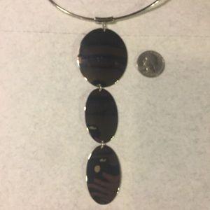 "Jewelry - 🌹3/$15 Silver Tone Choker 3 oval pendant 6"" long"